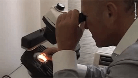 Photo montrant une Expertise d'un diamant, pour vendre un bijou